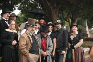 costume-group